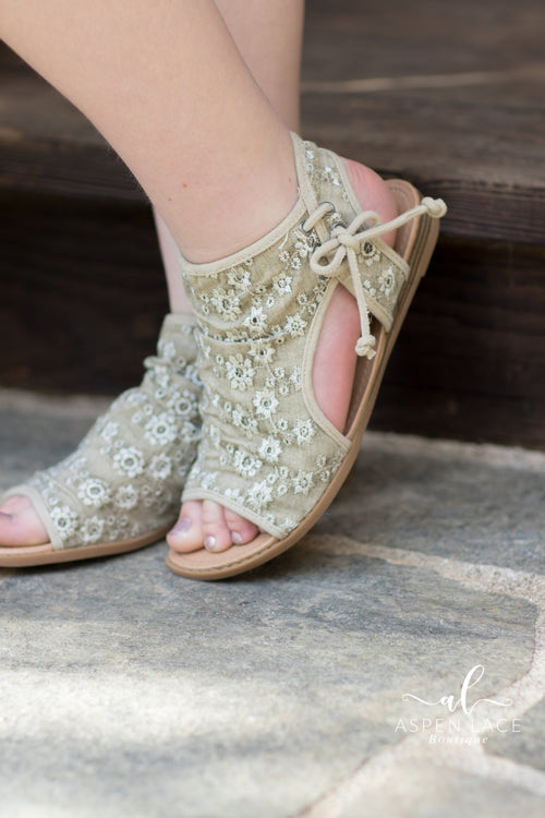 Lola Sandals (Taupe)