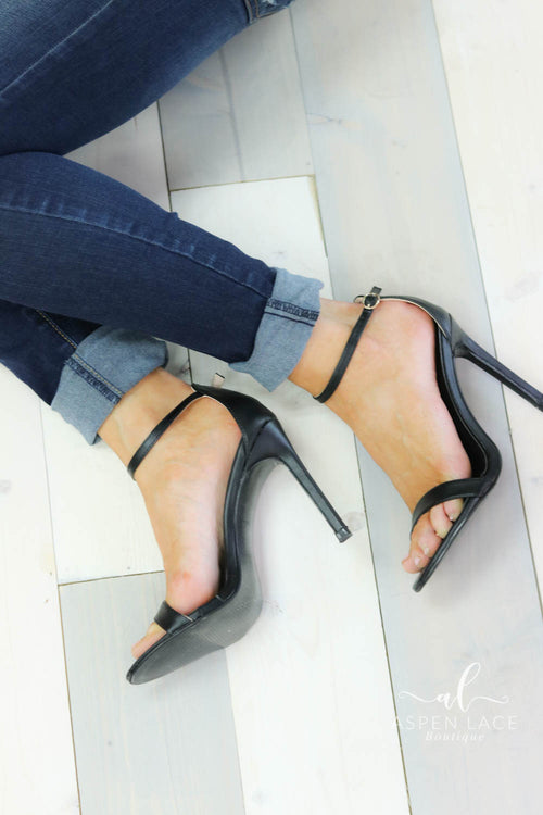 *Final Sale* Alyssa High Heels (Black)