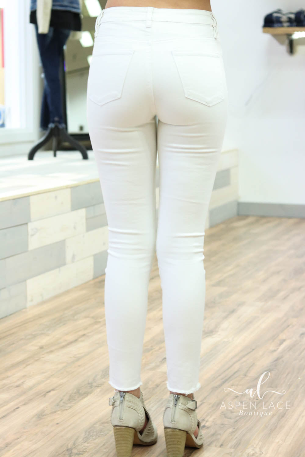 *Final Sale* Whitney Distressed Skinny Jeans (White)