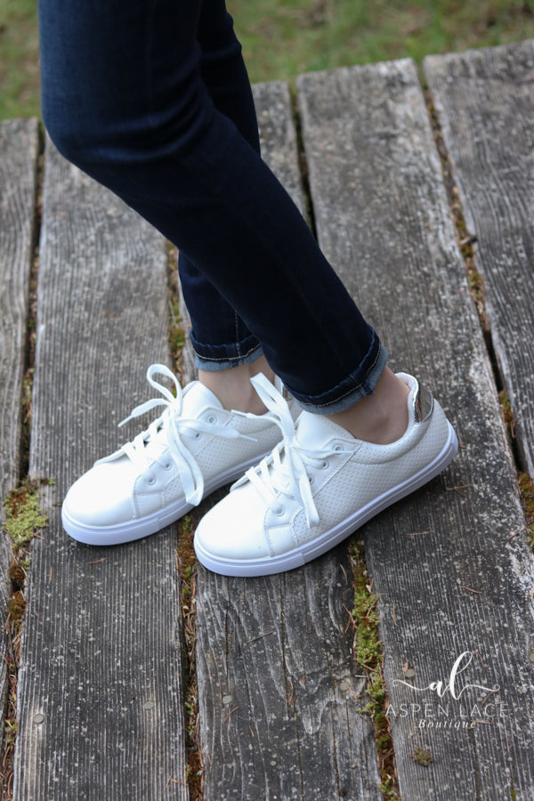 *Final Sale* Noah Sneakers (White)