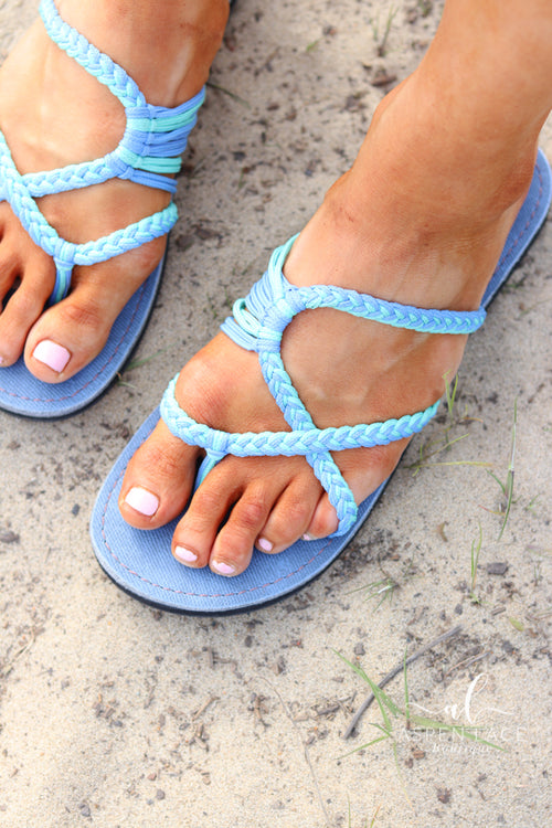 *Final Sale* Rolly Palm Leaf Sandal (Cornflower)