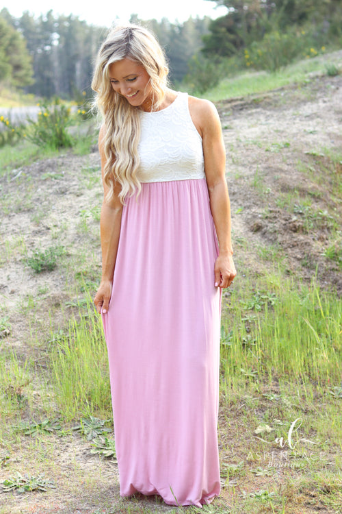 Averie Lace Maxi Dress (Blush)