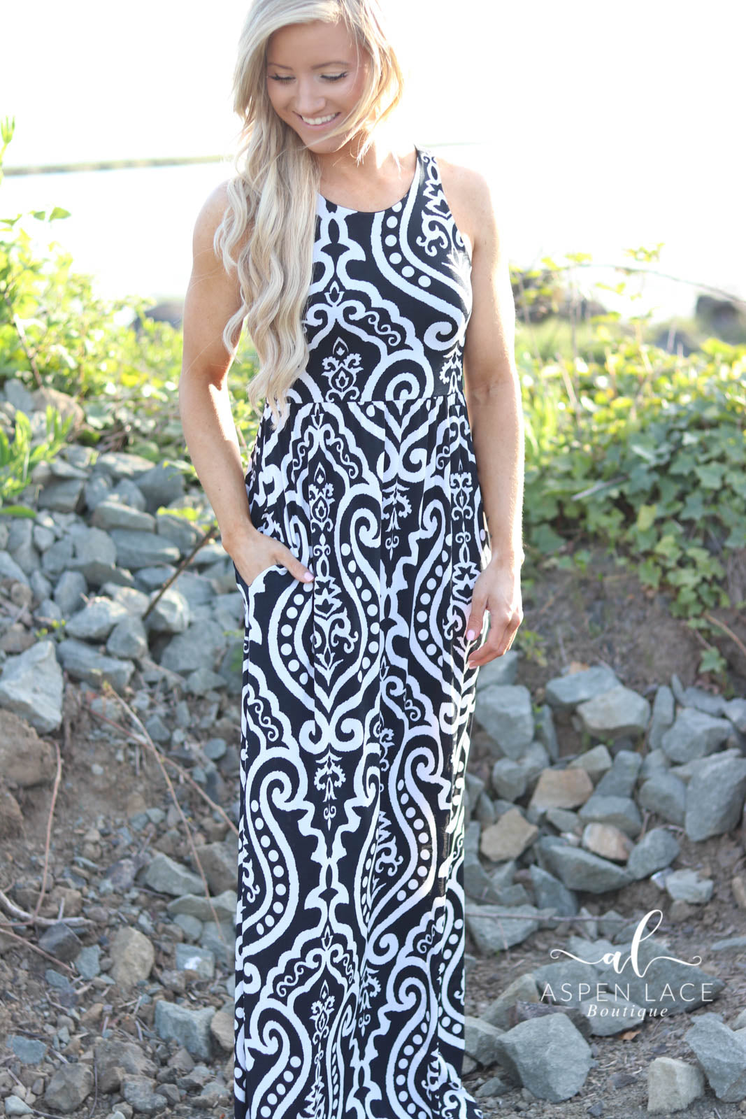 *Final Sale* Vera Maxi Dress (Black)
