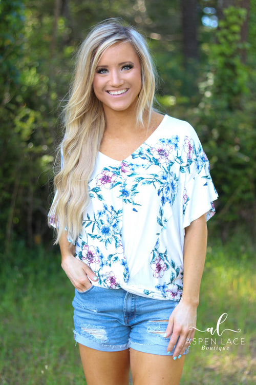 Aubrie Floral Top- Curvalicious (Ivory)
