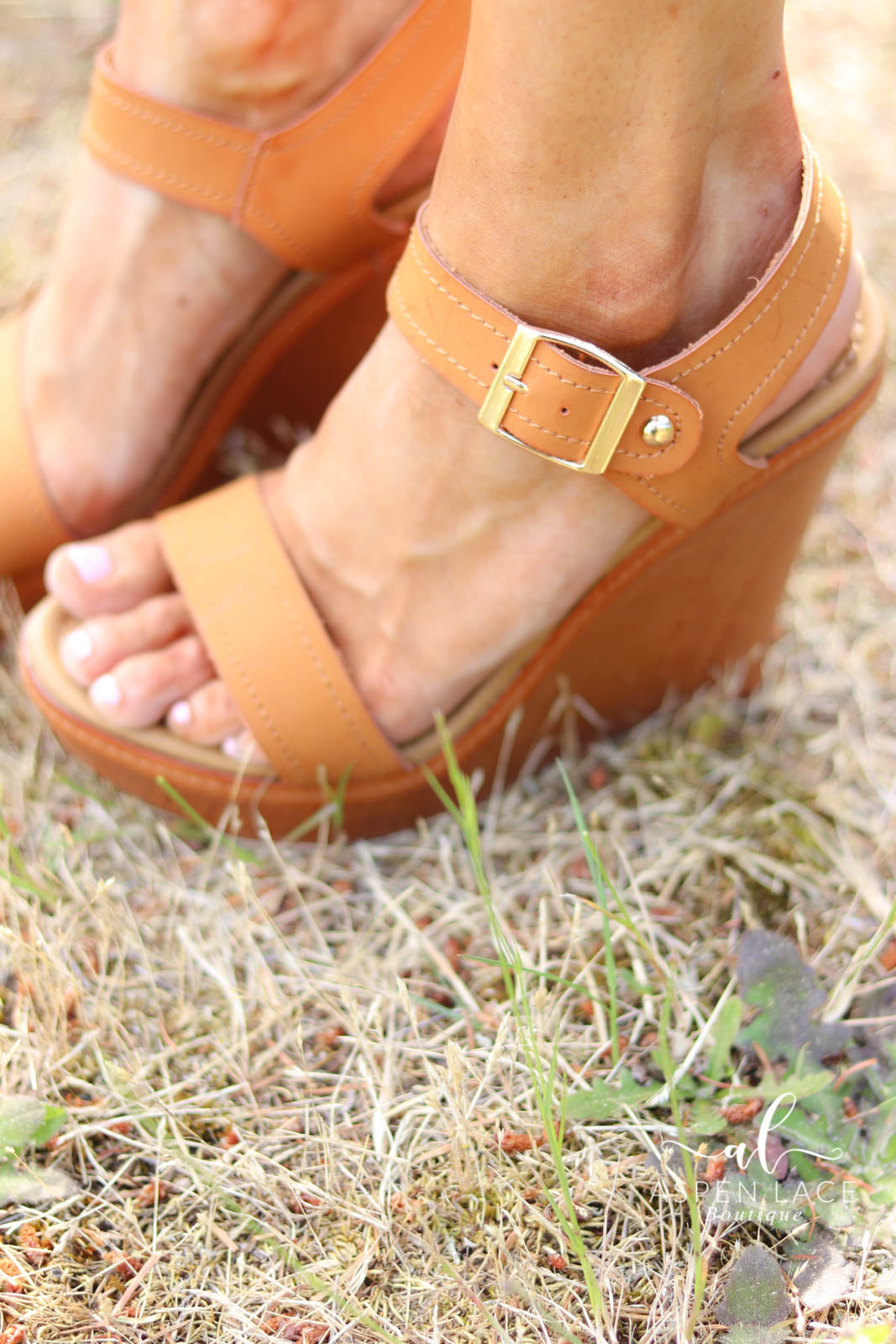 *Final Sale* Tracey Wedges (Brown)