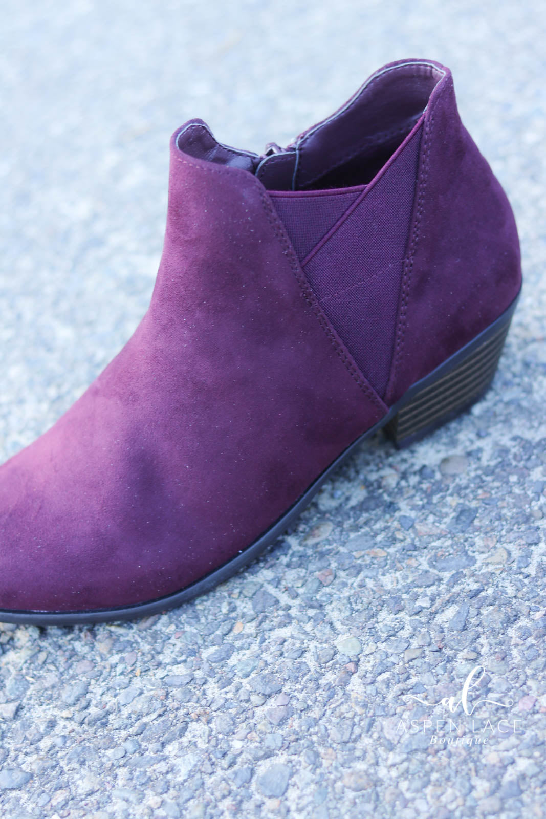 Madeline Parfait Booties (Burgundy)