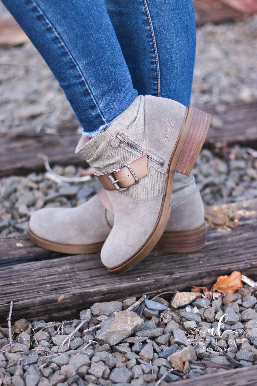 Blowfish Vicky Booties (Fog)