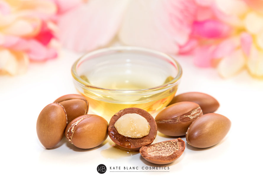 10 Ways to Use Argan Oil + 3 Popular DIY Recipes
