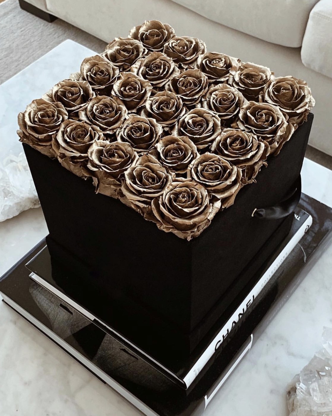 25 Gold Rose Box (Black Box)