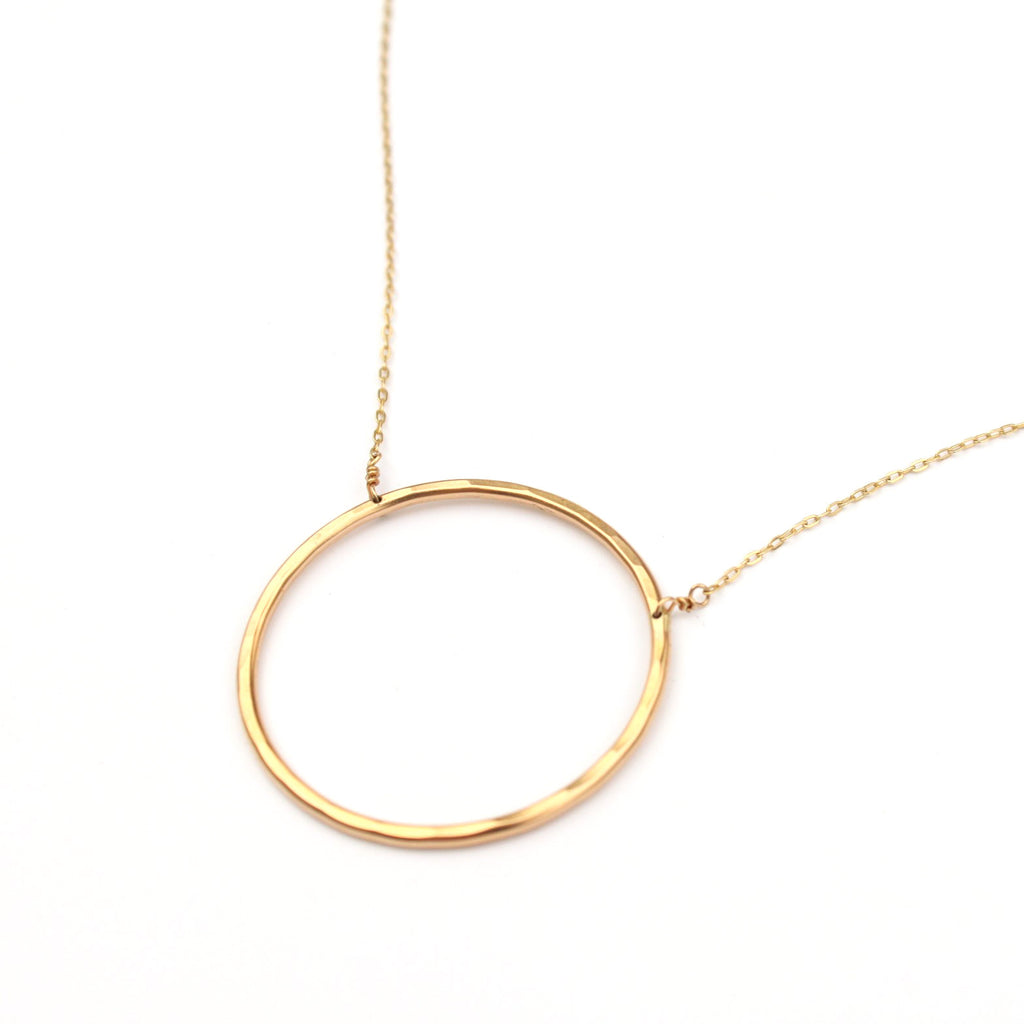 Roundabout necklace