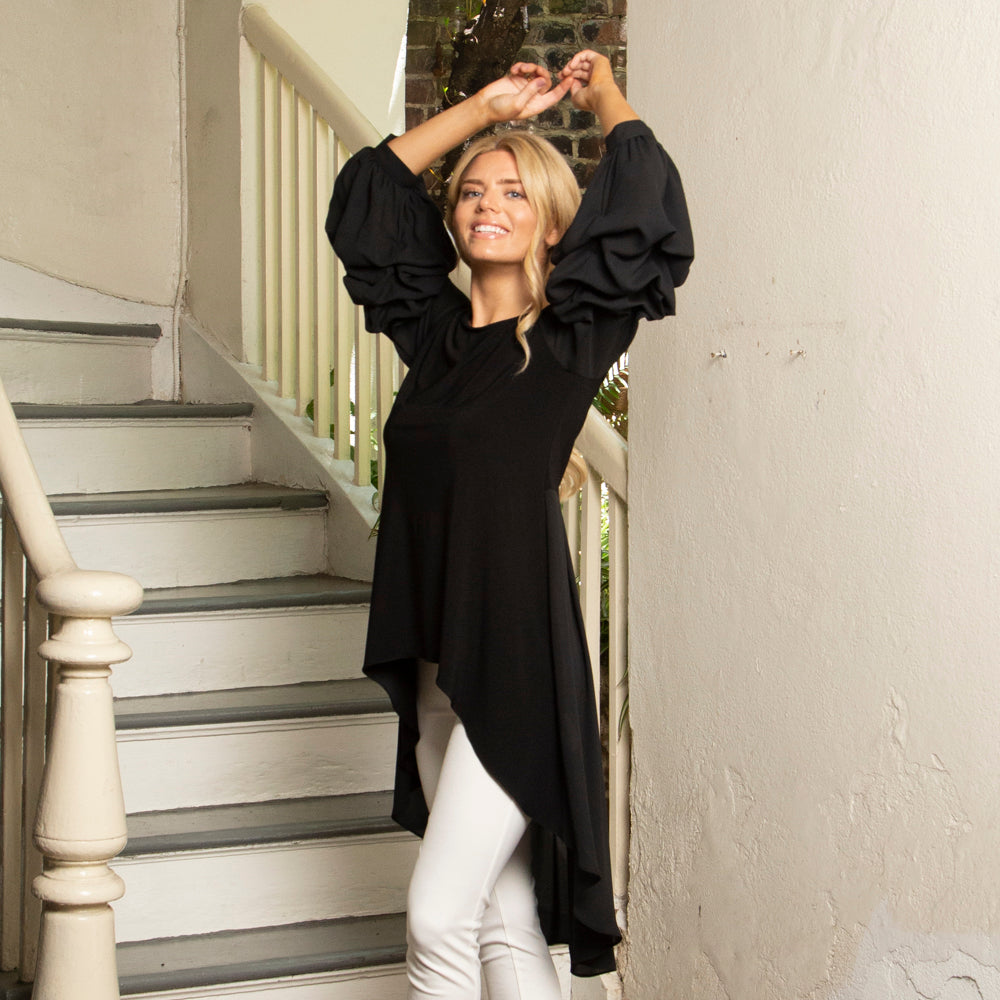 DRAMATIC SLEEVE TUNIC TOP IN BLACK
