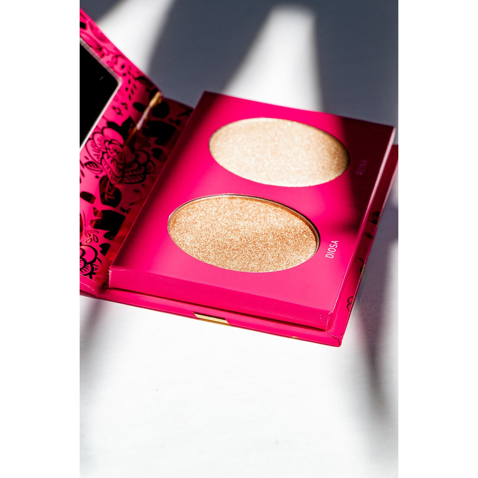 Luz and Glow Highlighter - Vive Cosmetics