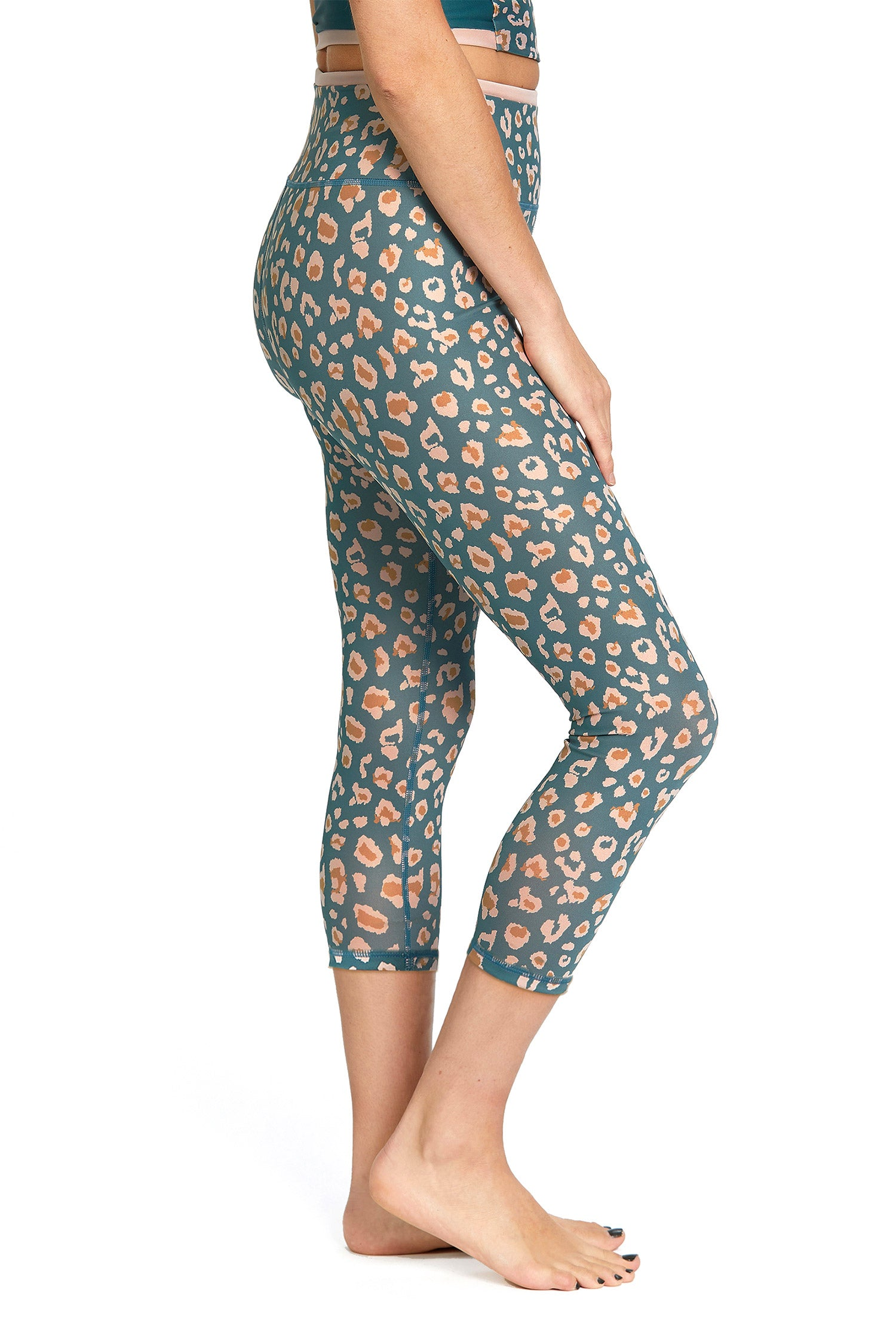 Unleash Capri Leggings