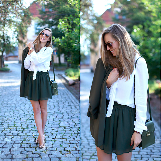 Date dress Mini skirt and pilot sunglasses