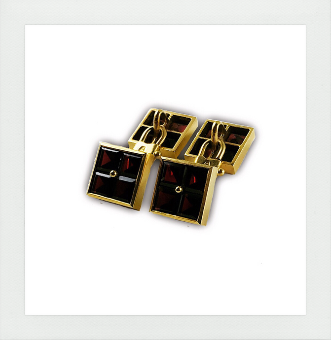 Garnet yellow gold cufflinks