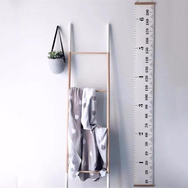 Growth Chart Hanging Ruler