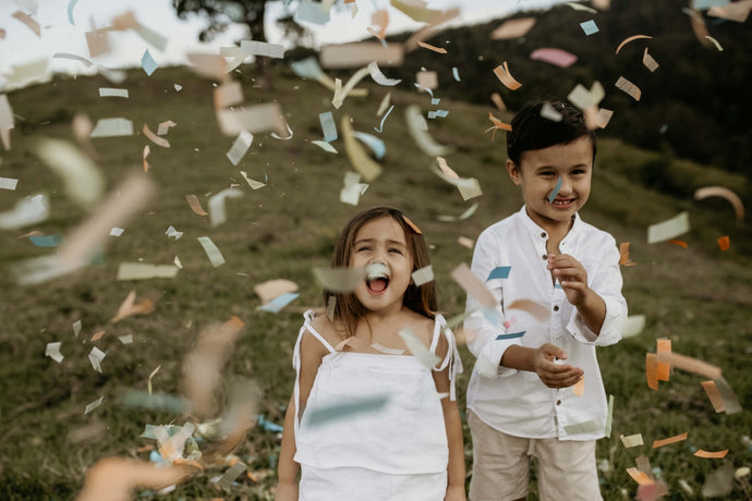 Family Photos with BioConfetti - Ingrid Coles Photography
