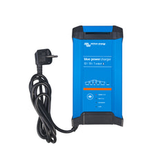 Blue Smart IP22 Charger 12/15(3) 230V UK