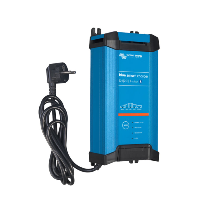 Blue Smart IP22 Charger 12/20(1) 230V UK