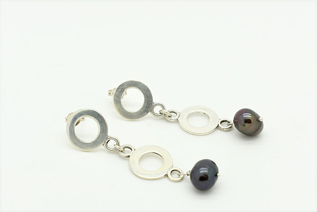 Handmade Silver Hoop Earring with Black Pearl
