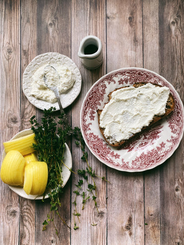 Ricotta toast with apples, maple syrup & thyme