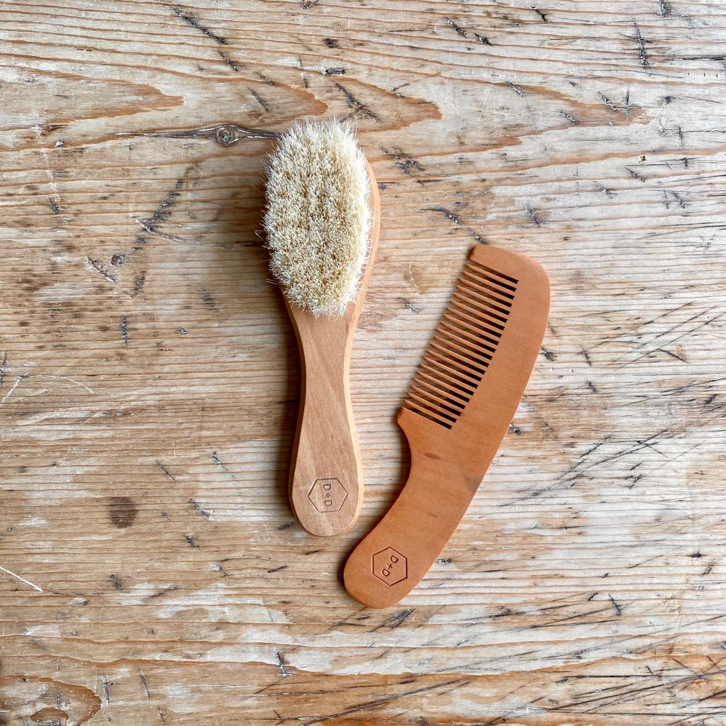 WOODEN BABY BRUSH AND COMB SET