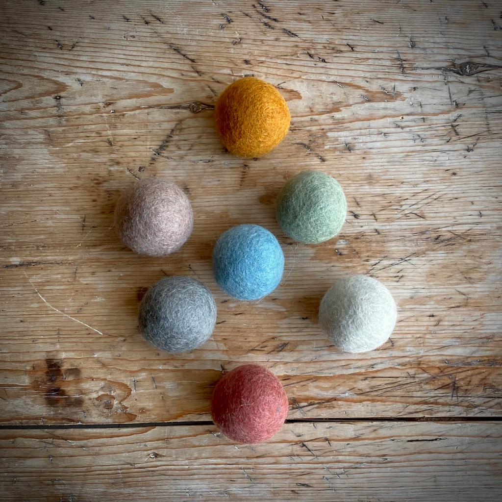 Earth Felt Ball Set