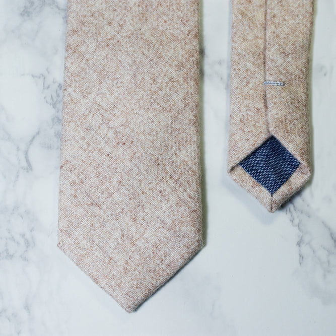 Cloud Wool Tie