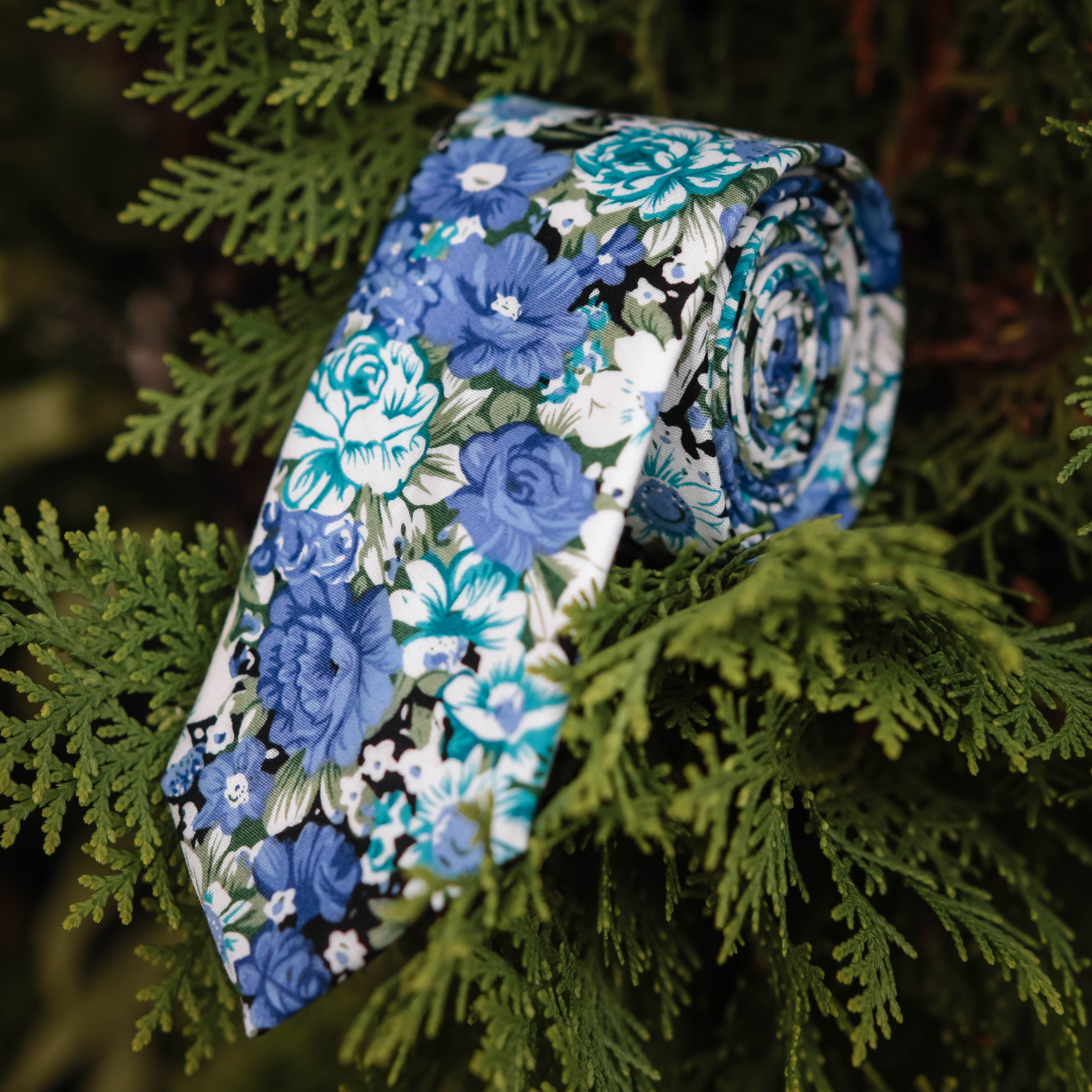 Amethyst Floral Tie (Nature Collection)