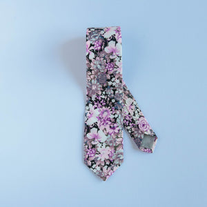 Carnation Floral Tie (Nature Collection)