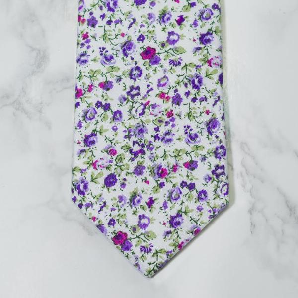 Tranquil Floral Tie