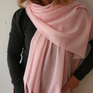 Handwoven Cashmere Shawl Pink houndstooth