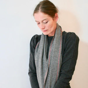 Handwoven Cashmere Scarf Houndstooth