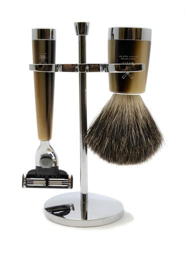 Muhle Liscio Mach3 shaving set including stand with pure badger shaving brush and Mach3 razor with horn resin handles