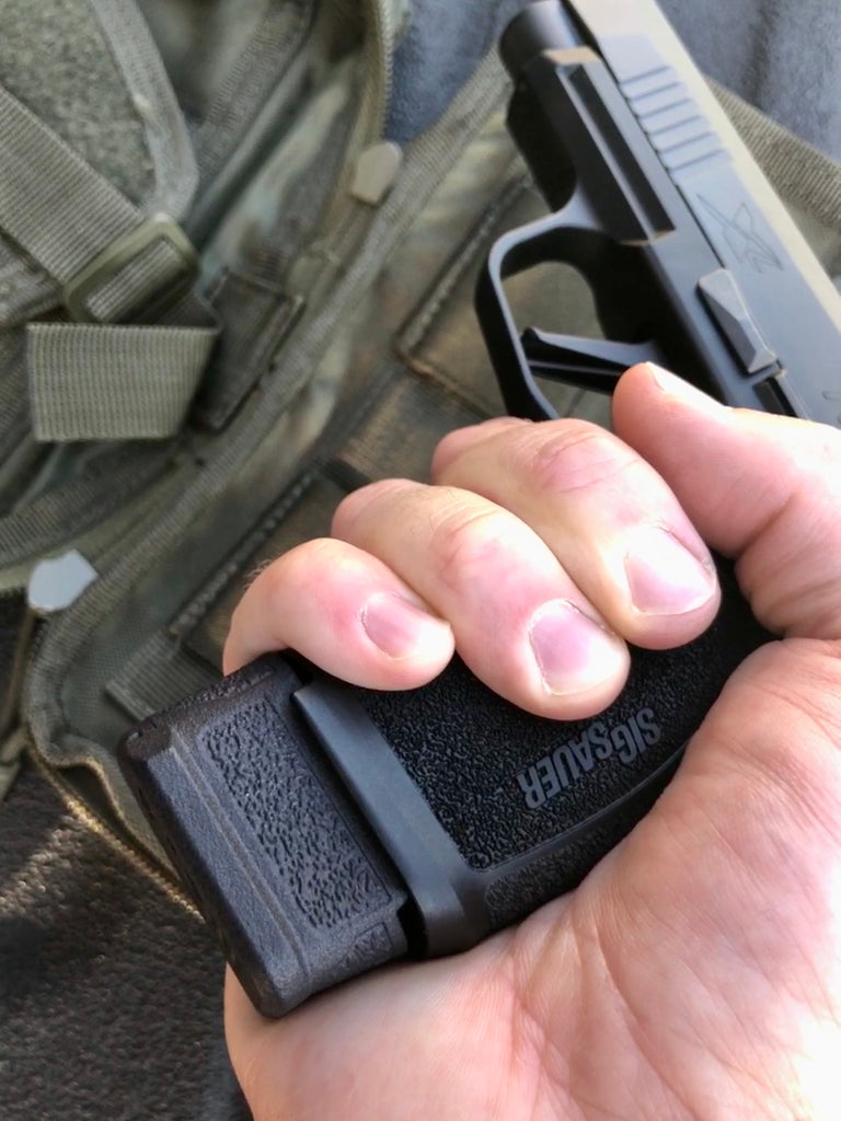 XL Pro Grip - Full Grip for SIG P365 15 Round Magazine