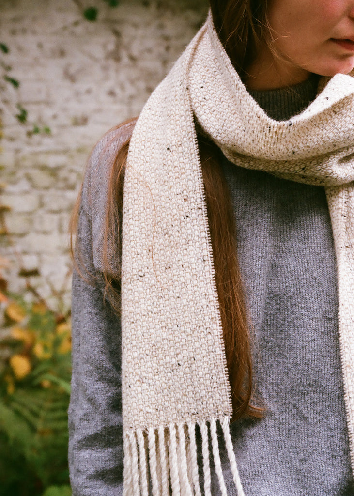 Tweed Emphasize Scarf