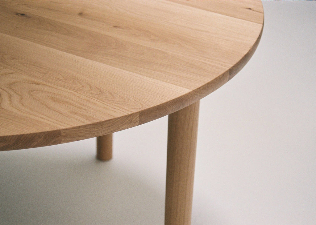 Oak Dining Table (round)