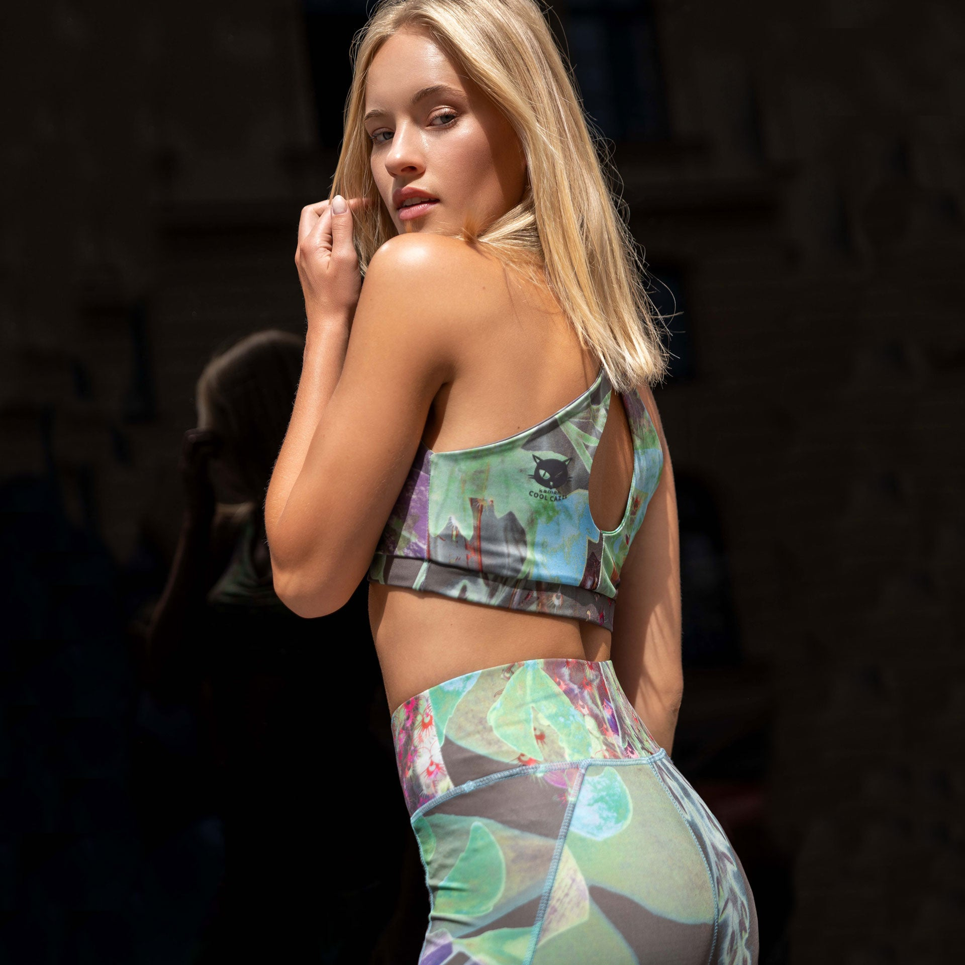 padded Bra Top Mila, Legging Panarea in Allover Print City Bloom