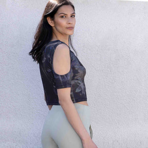 "Yoga-Top ""Raffaela"", Everglades - Cropped Top mit Schulter Cut Outs - Kamah Yoga and Style"