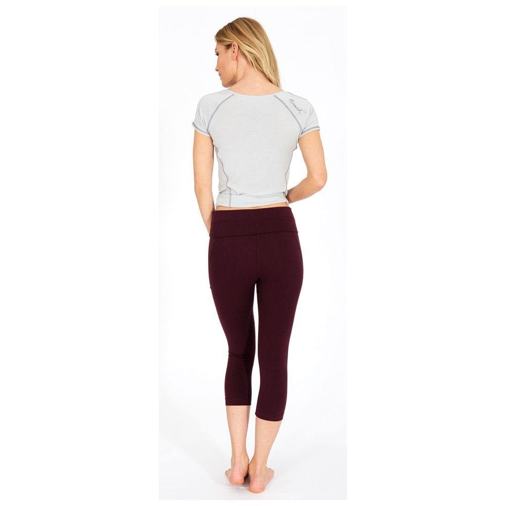 "Yoga-Leggings ""Anastacia"", wine - Capri Leggings mit Umschlagbund - Kamah Yoga and Style"
