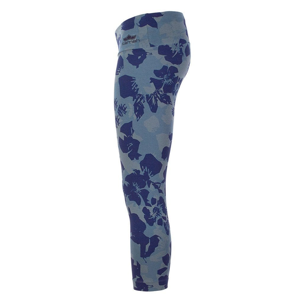 "Yoga-Leggings ""Paris"", Camouflower - Stylische Capri Pants mit Allover Print - Kamah Yoga and Style"