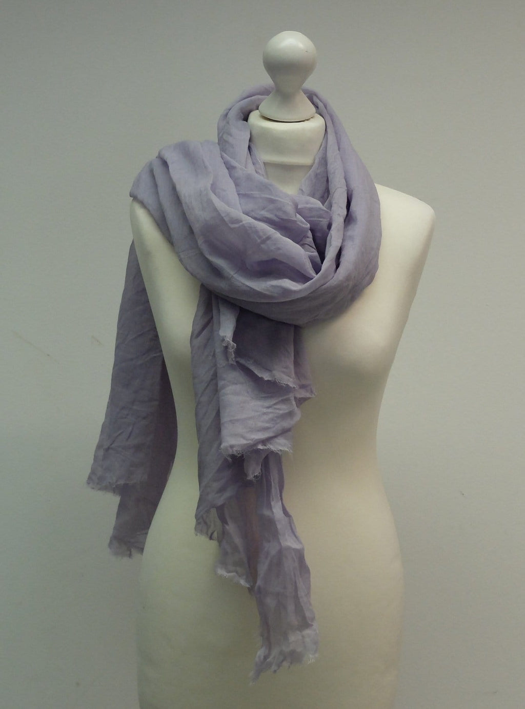 Handgefärbter Schal, Farbe: Pale Violet - Kamah Yoga and Style