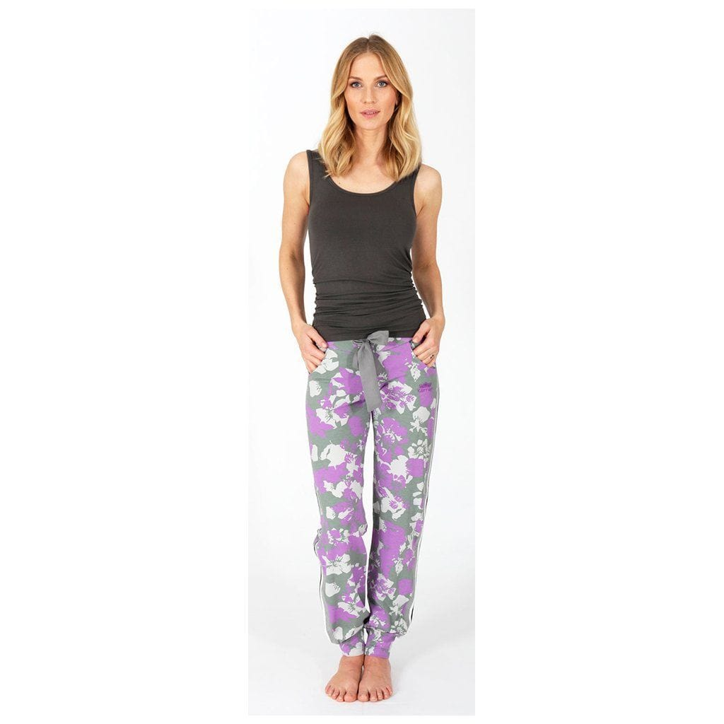 "Yoga-Pant ""Miriam"", Flower - Lässige Jogginghose mit Allover Print - Kamah Yoga and Style"