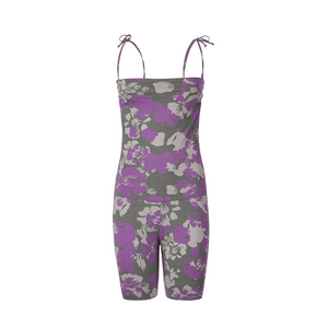 "Yoga Jumpsuit ""Loretta"", Flowers - Kurzer Overall mit Allover-Print - Kamah Yoga and Style"
