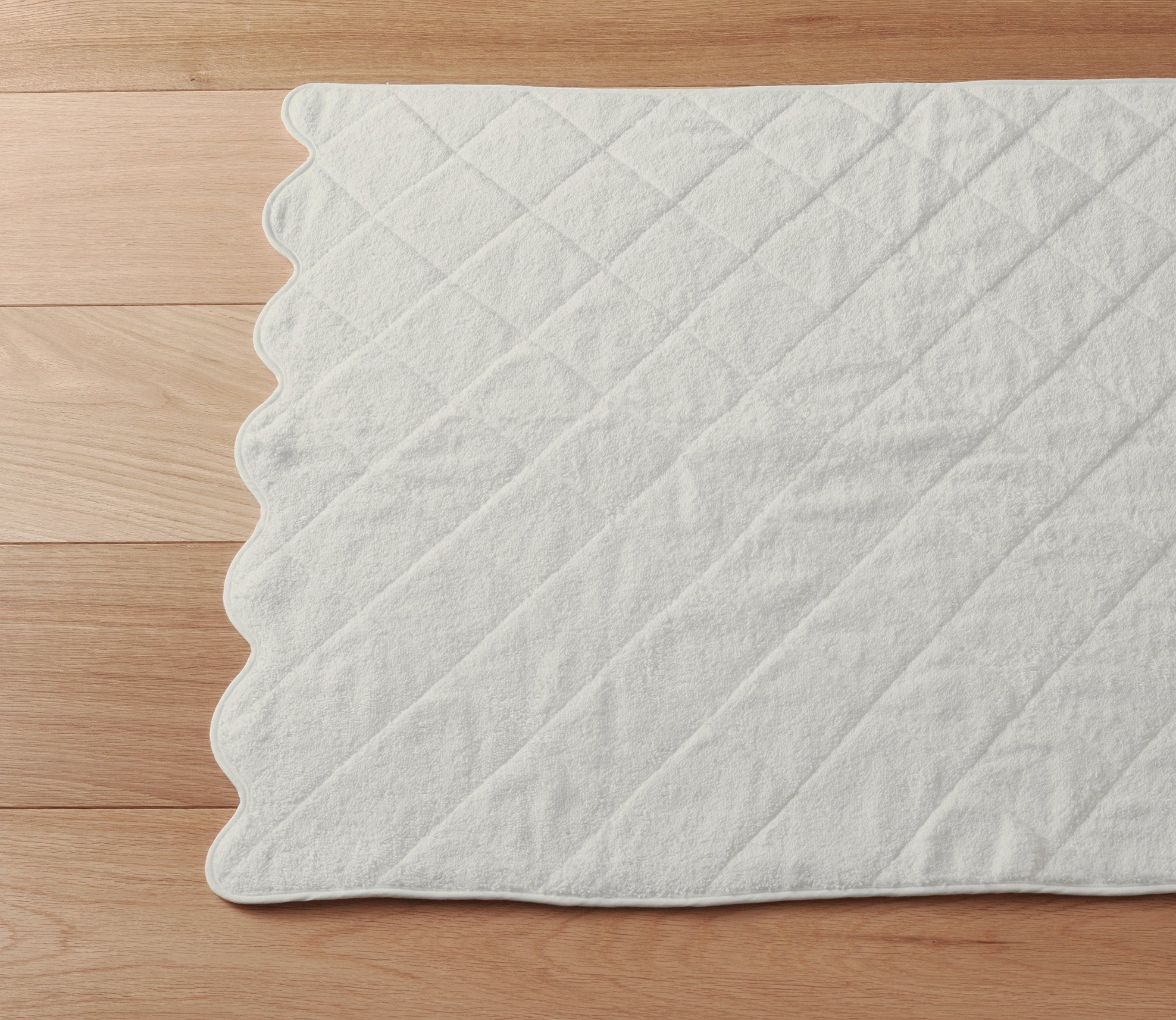 Scallop Ivory Bath Towels Product Image 2