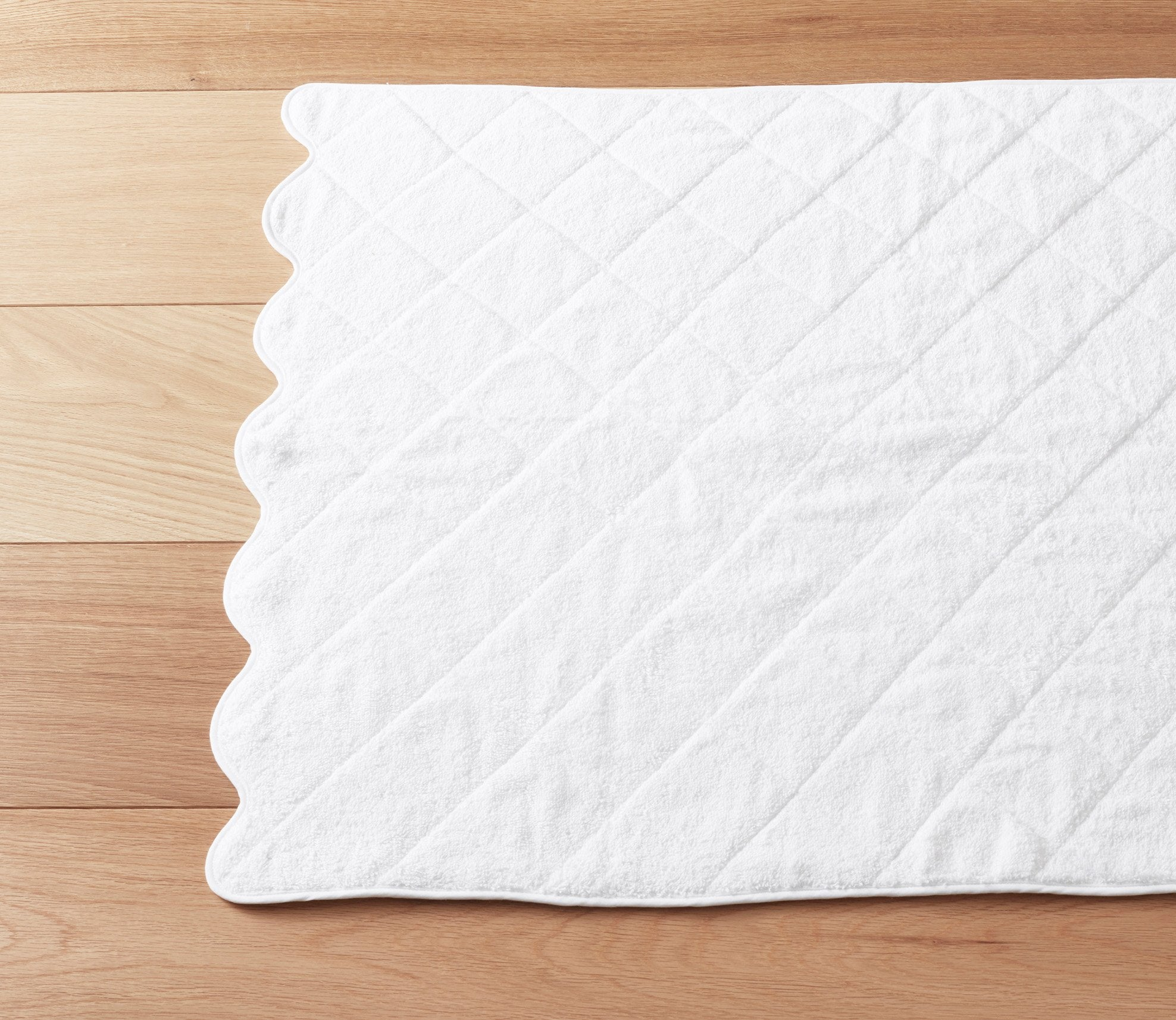 Scallop White Bath Towels Product Image 3