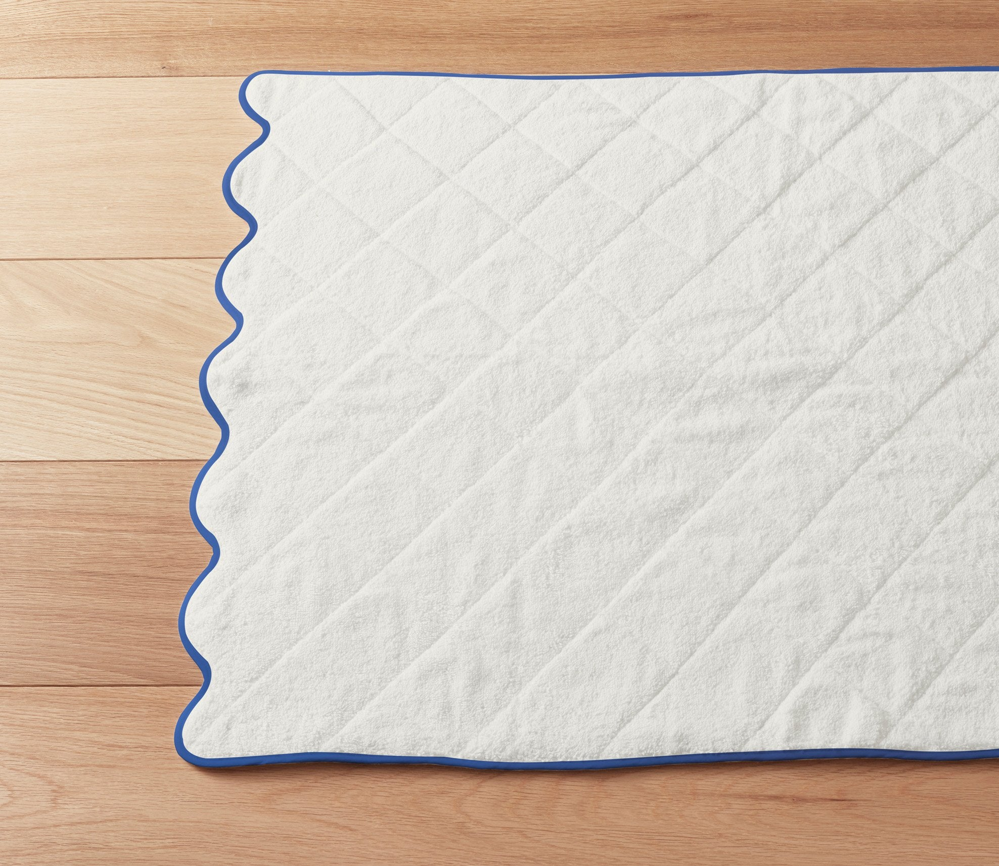 Scallop Bath Mat Custom Trim Product Image 2