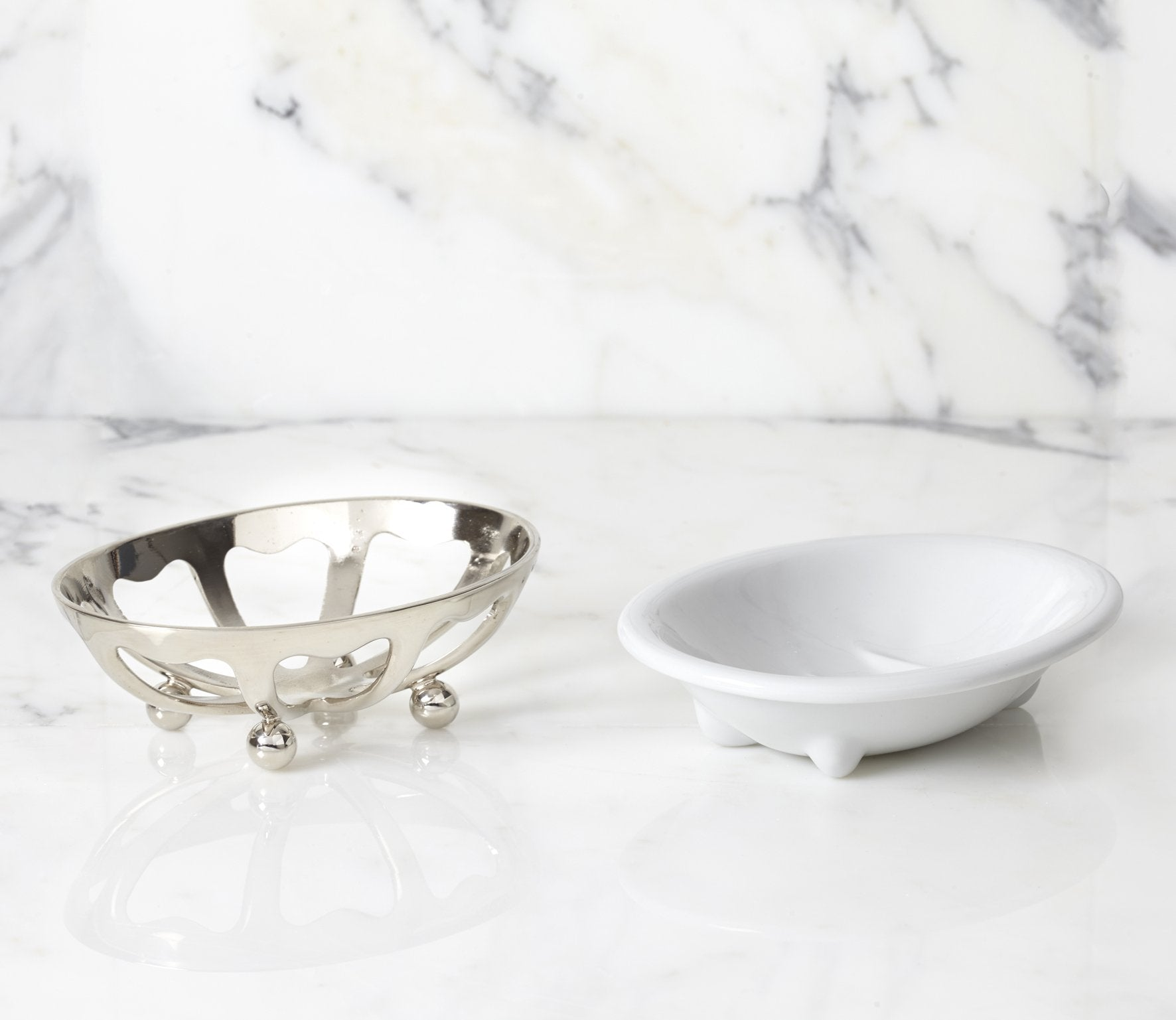 Classic Soap Dish with White Porcelain Product Image 2