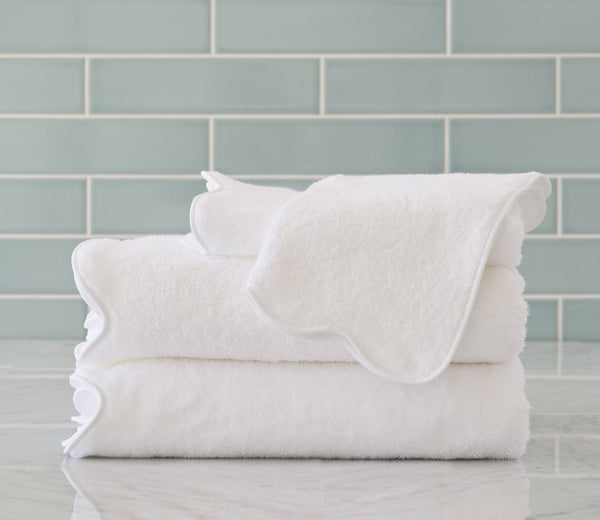 scallop bath towels white