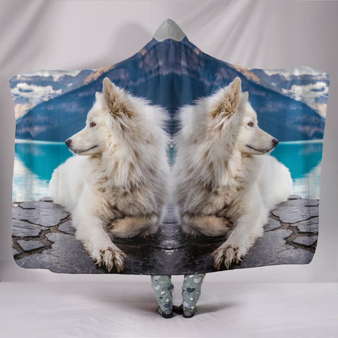 Samoyed Dog Nature Print Hooded Blanket